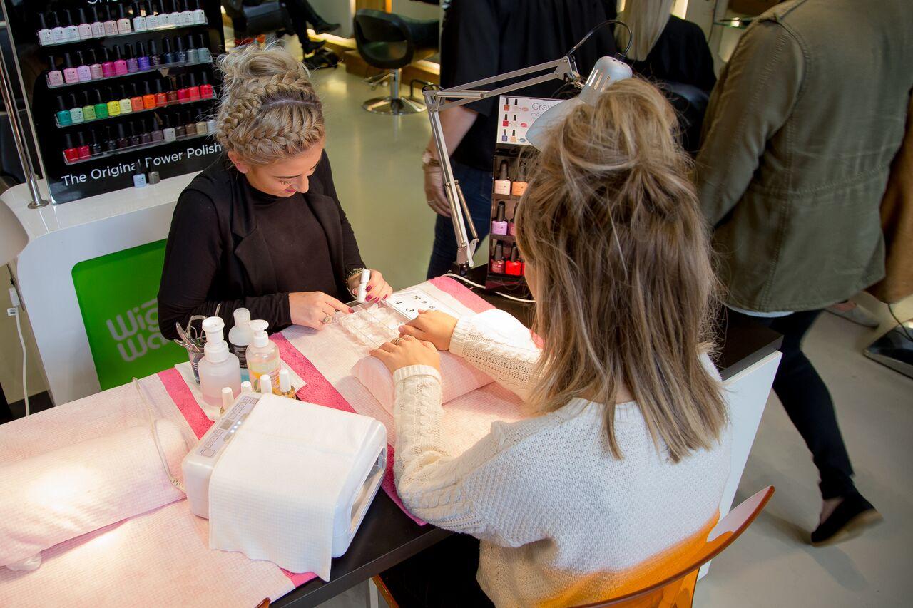 beauty salon in sheffield wigs and warpaint